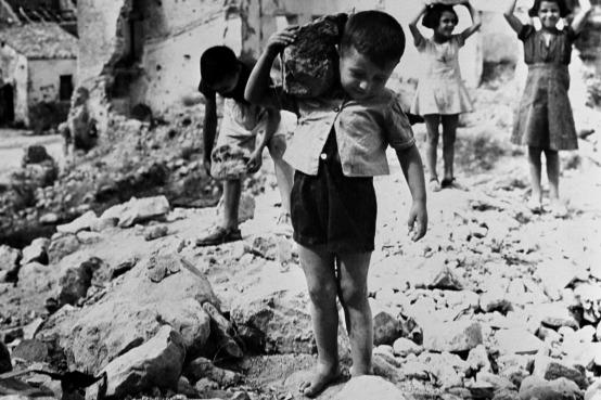 Refugees, Italy 1946 UNICEF Romagnoli