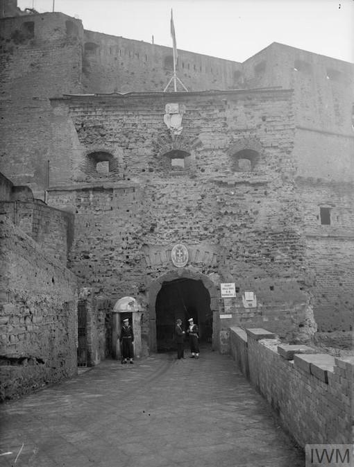 Naples Castell.jpg